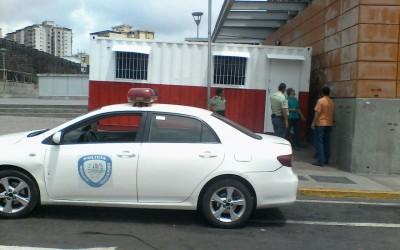 Metro Los Teques entrega caseta policial en plazoleta de Estación Guaicaipuro