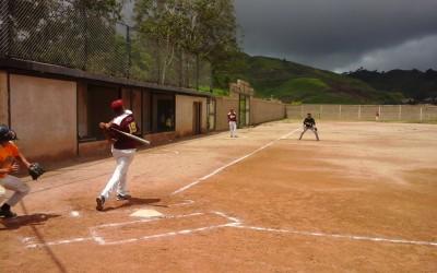 Trabajadores del transporte en Miranda disputaron 1era copa de softbol del gremio