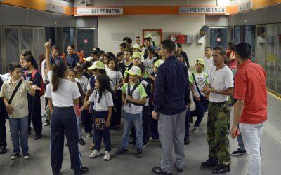 70 niños y niñas de brigada infantil se capacitaron para difundir normas de Metro