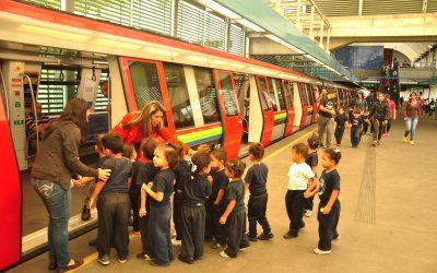 Infantes aprenden funcionamiento e importancia de cuidar el Metro