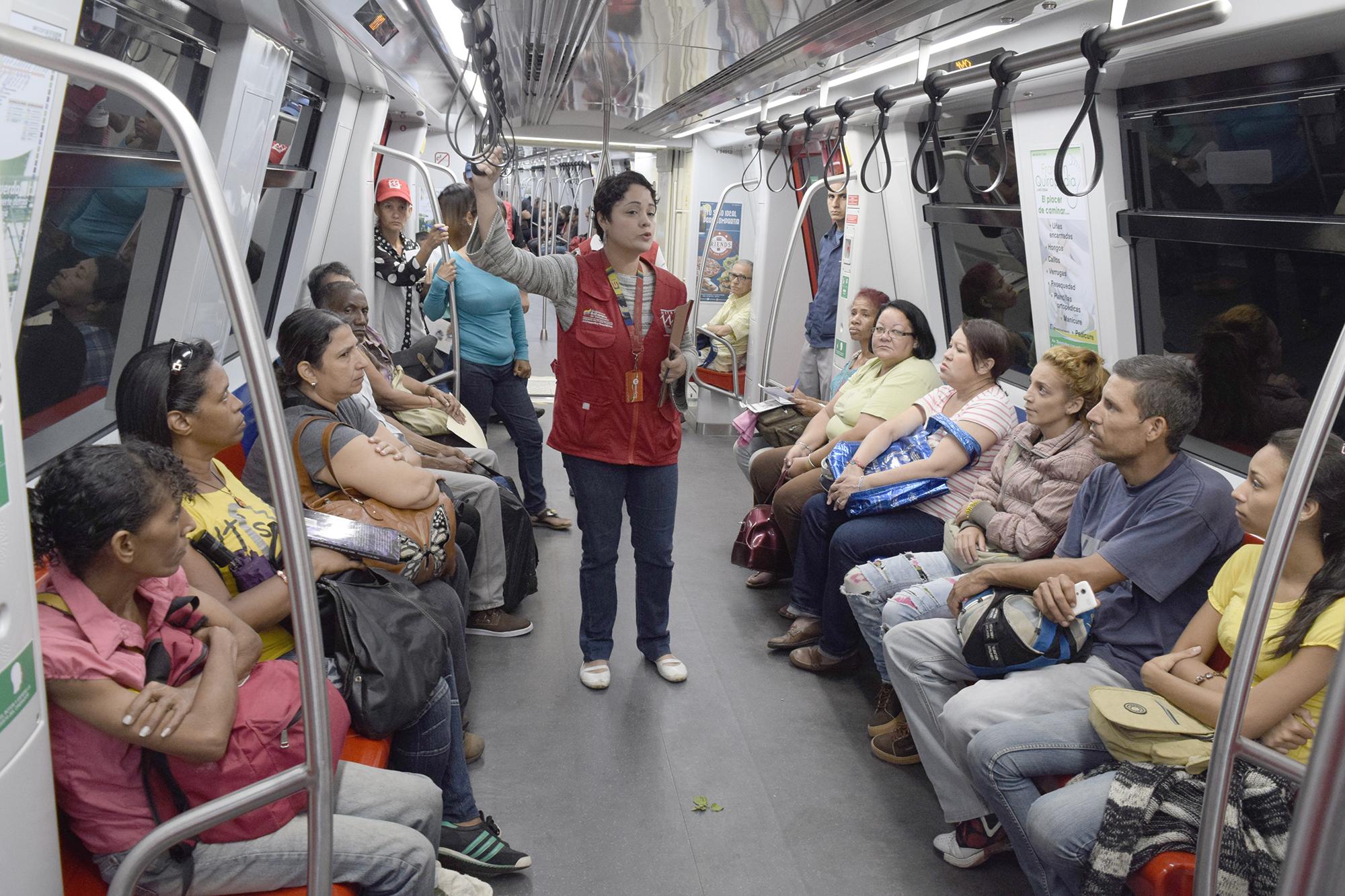 Promovemos el respeto de normas en trenes y estaciones