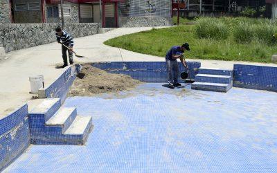 Aspirantes a Guardias Patrimoniales de Metro le meten el pecho al Jardín Terapéutico