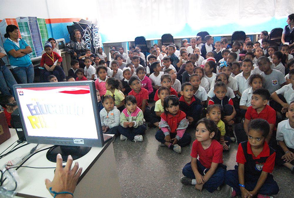 Educando Sobre Rieles instruye a los niños acerca de la cultura Metro
