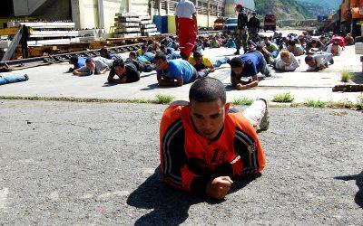 Entrenantes de Metro Los Teques aprenden acerca de combate contra incendios
