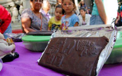 Visitantes de Villa Teola aprendieron a cultivar cacao