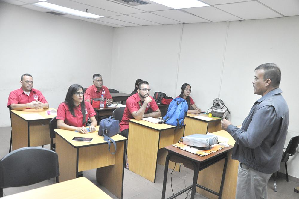 Trabajadores de Metro Los Teques inician curso de Operadores de Servicio