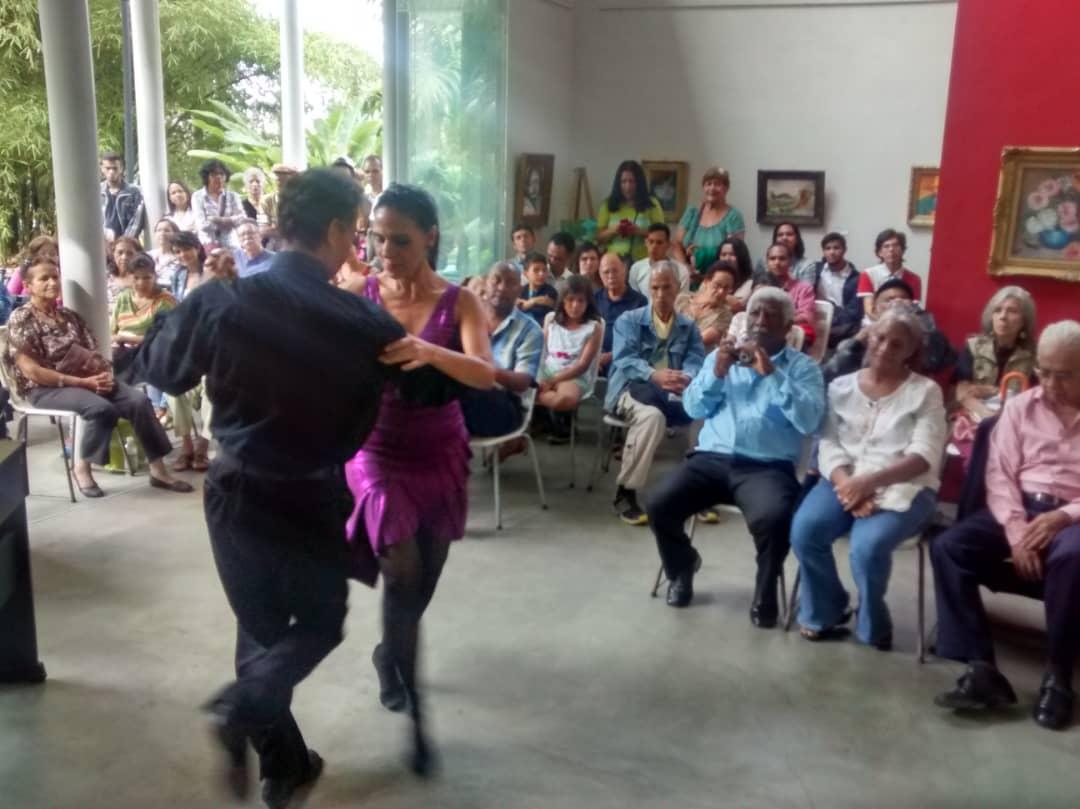 Comunidad tanguera podrá aprender a bailar tango en Villa Teola