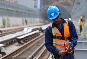 trabajador rieles metro obrero obras11