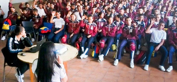 """Más de 200 liceístas del Pmom participaron en programa """"Educando Sobre Rieles"""""""