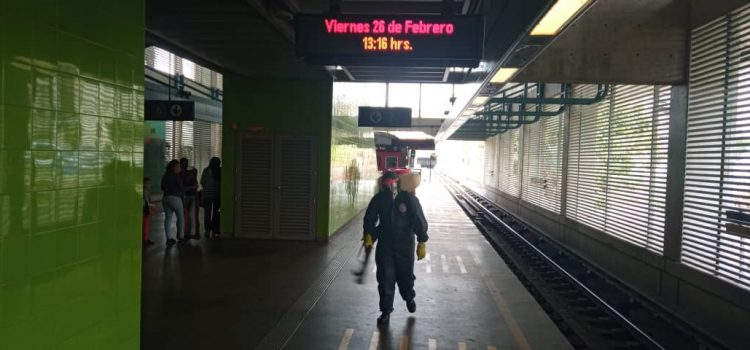 Desinfectan las estaciones y las oficinas de Metro Los Teques